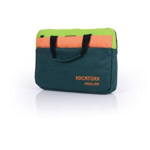30 x 40 x 10 cm 2 bölmeli Serigrafi ve nakış baskı imkanı Su geçirmez 420D - 1500D kumaş Tip 8 fermuar 15,4 - 15,6 inç Laptop Çantası İmalat Ürünümüzdür İstenilen adet ve renkte üretilebilir.