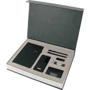Özel Hediye Seti 13 x 21 cm Termo Deri Defter 13.000 mAh Powerbank Kartvizitlik Anahtarlık 16 GB USB Bellek Metal Roller ve Tükenmez Kalem Özel Kutu Kutu Boyutu: 38 x 28 x 5,5 cm