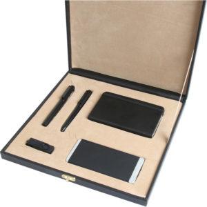 9.5 x 14 cm Termo Deri Defter 5.000 mAh Powerbank 16 GB USB Bellek Metal Roller ve Tükenmez Kalem Özel Kutu Kutu Boyutu: 29 x 29 x 4.5 cm